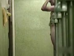 males shower