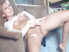 Vagina Lips Opening And Huge Dildo