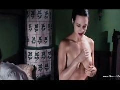 Asia Argento bare - Dracula 3d (2012)